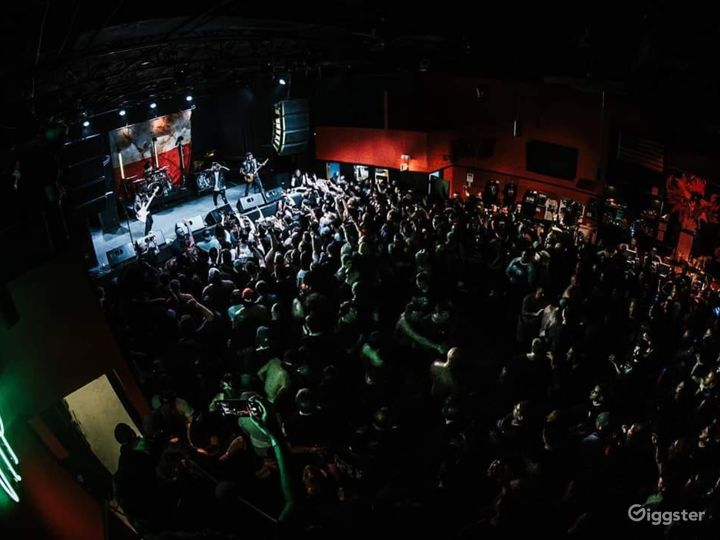 May not be the most high quality image but it is one of the most accurate views of the club on a sold out show night.