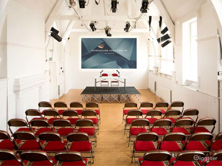 Amazing Theatre with natural lighting in London Photo 5