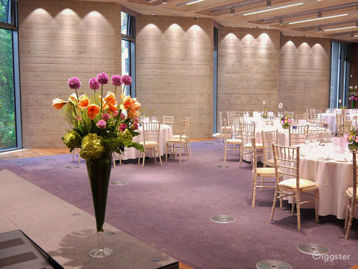 A Versatile Function Room in London Photo 2