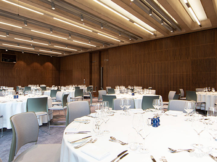 A Versatile Function Room in London Photo 3