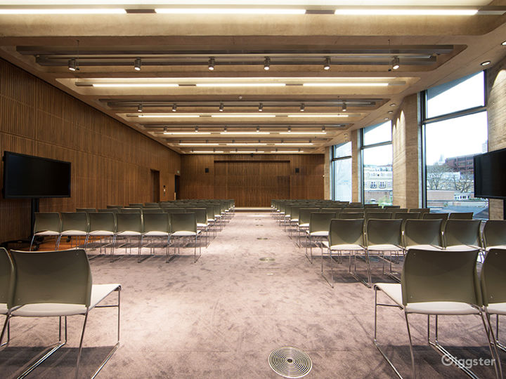 A Versatile Function Room in London Photo 4