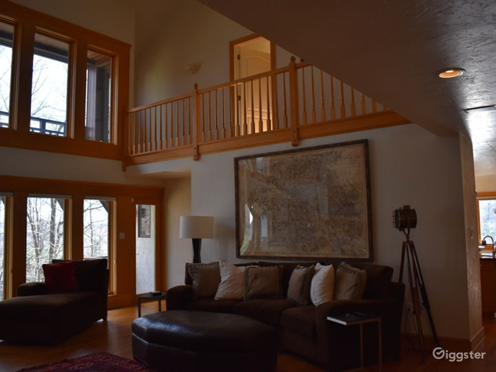 Living room. 2nd level. (kitchen entry on the rear right)