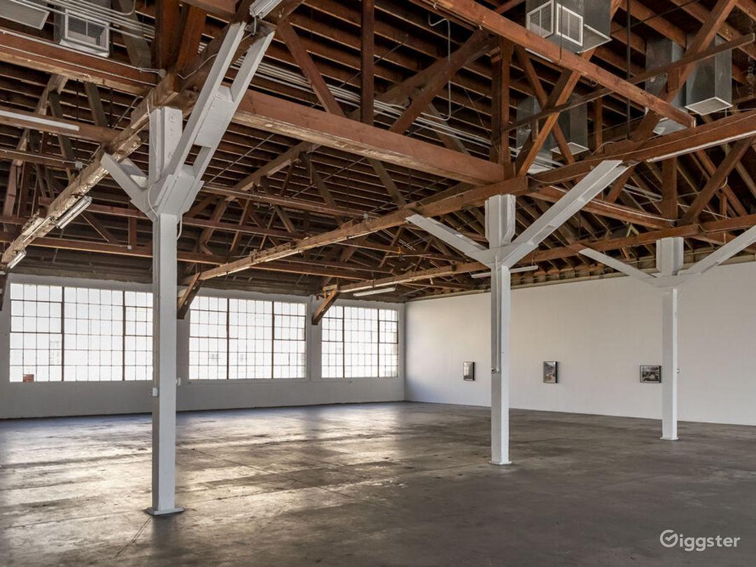 Downtown LA Spacious Studio  Photo 1
