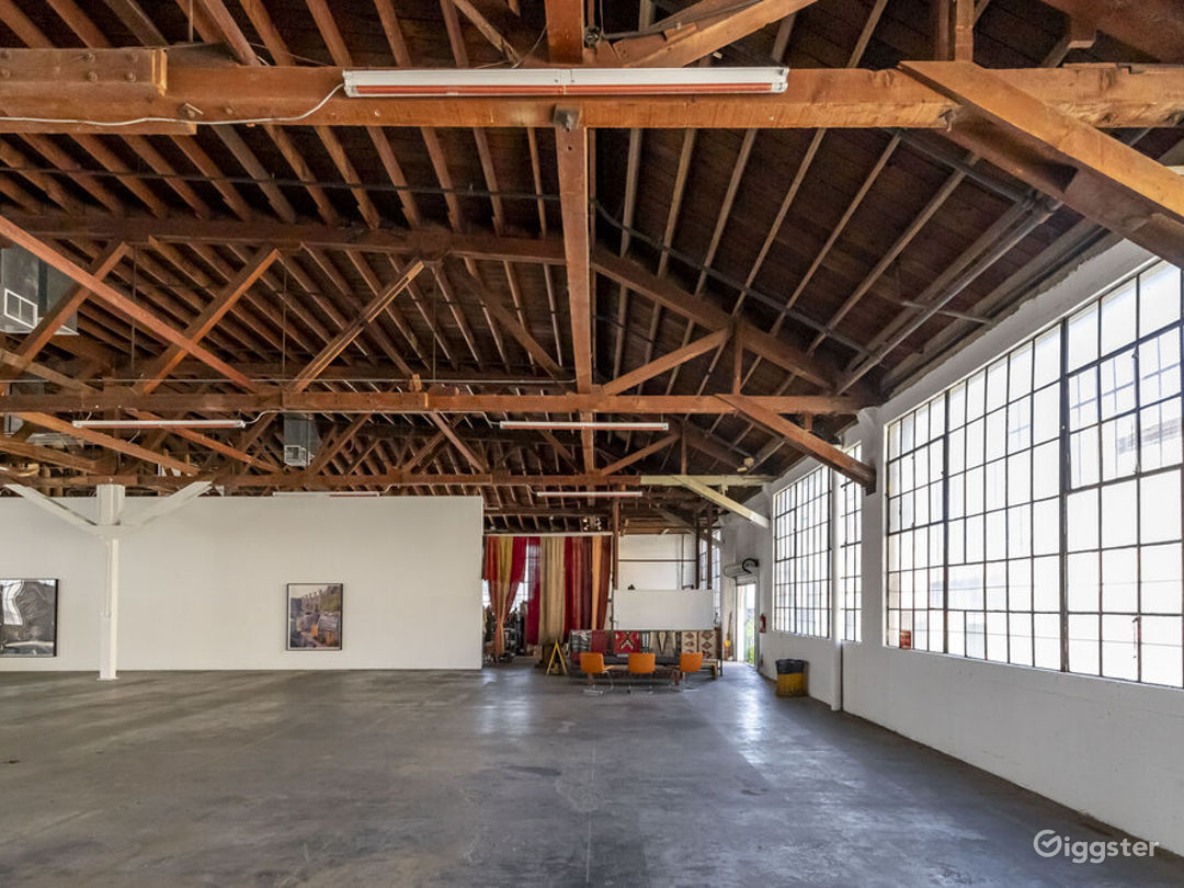 Downtown LA Spacious Art Gallery  Photo 4
