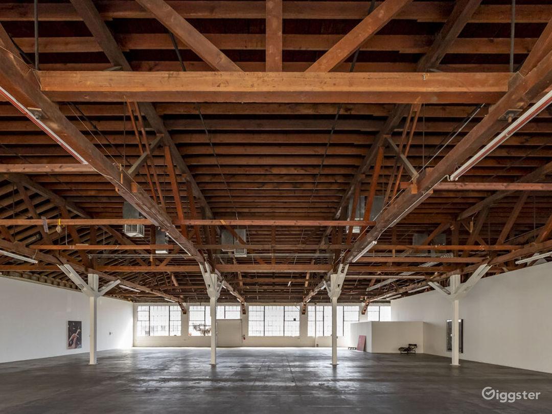 Downtown LA Spacious Art Gallery  Photo 1