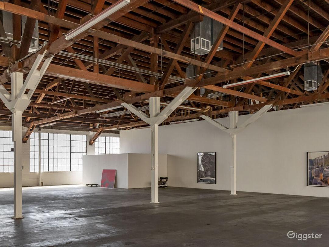 Downtown LA Spacious Art Gallery  Photo 5
