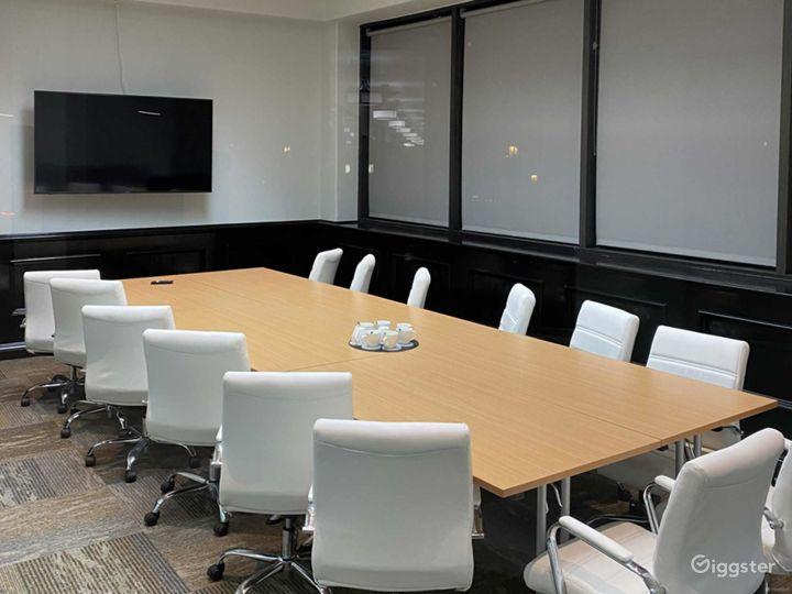 Spacious Executive Boardroom in Los Angeles Photo 2