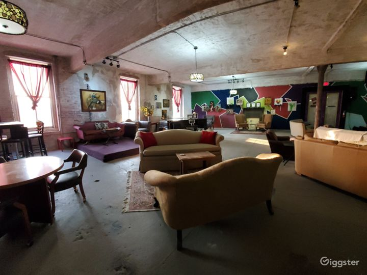 Amazing art gallery and live music venue Photo 5