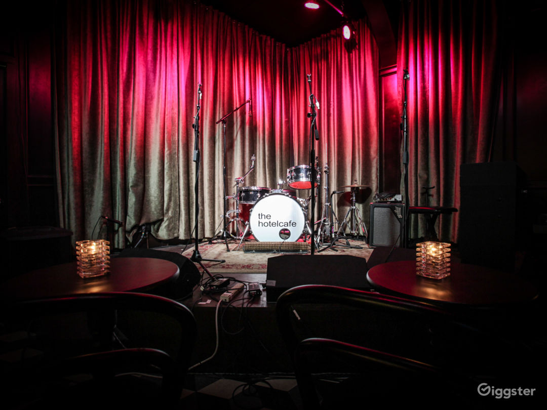 Live Music Venue/ Bar located in the heart of Hollywood Photo 4