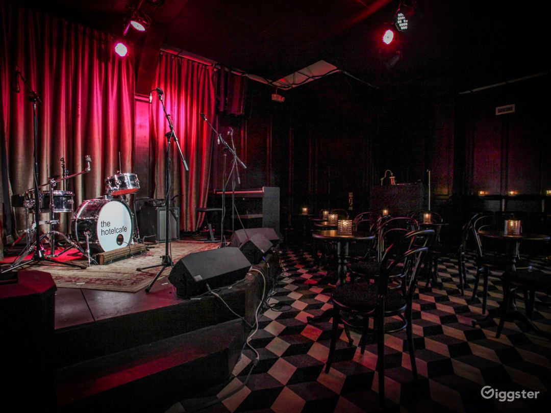 Live Music Venue/ Bar located in the heart of Hollywood Photo 5