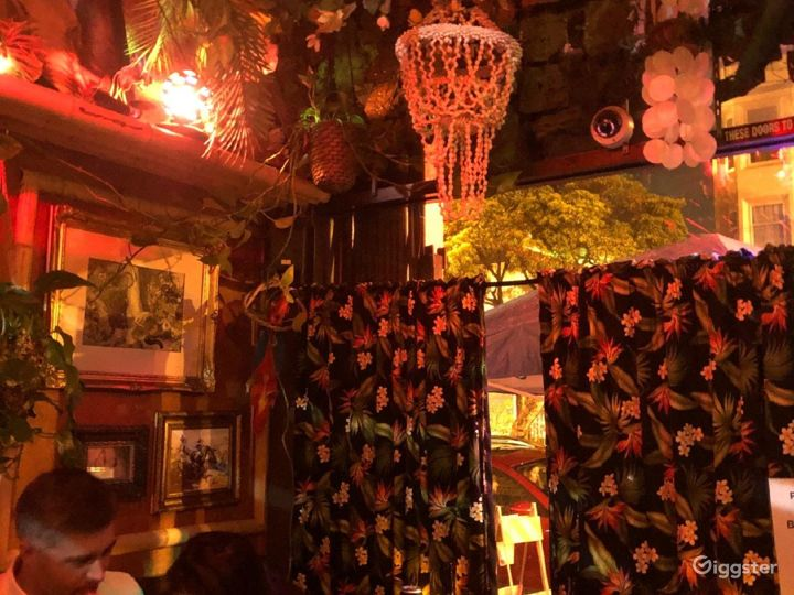 A Super Cute and Cozy Tiki Themed Style Bar Photo 4