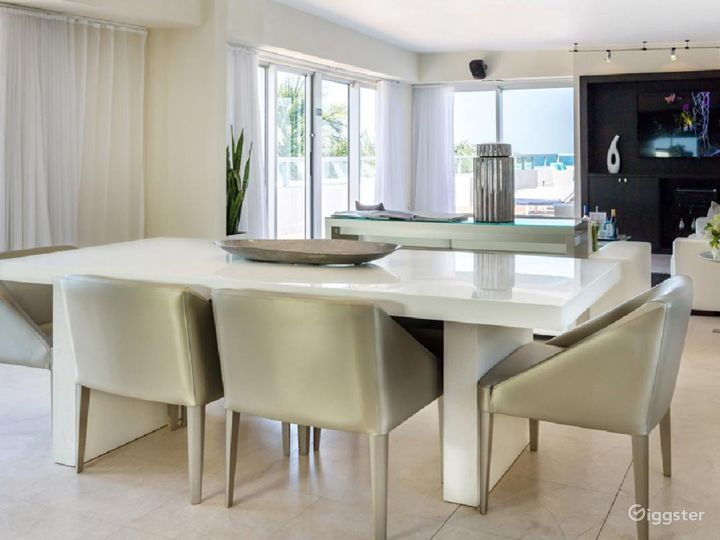 Gallery Dining Room in Miami Beach Photo 4