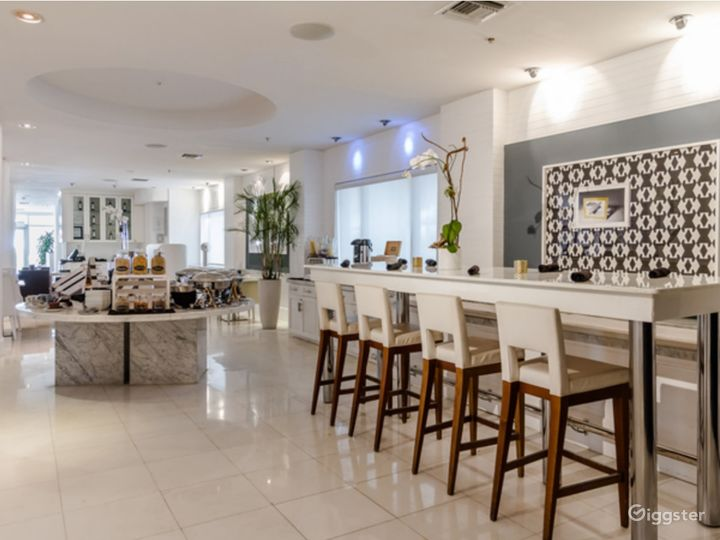 Gallery Dining Room in Miami Beach Photo 2