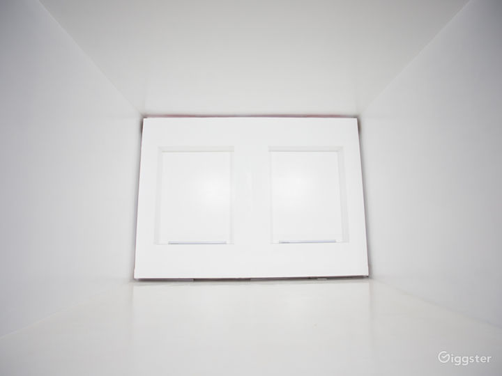 Modern White Cube | CreatorLA Photo 3