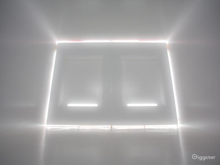 Modern White Cube | CreatorLA Photo 2