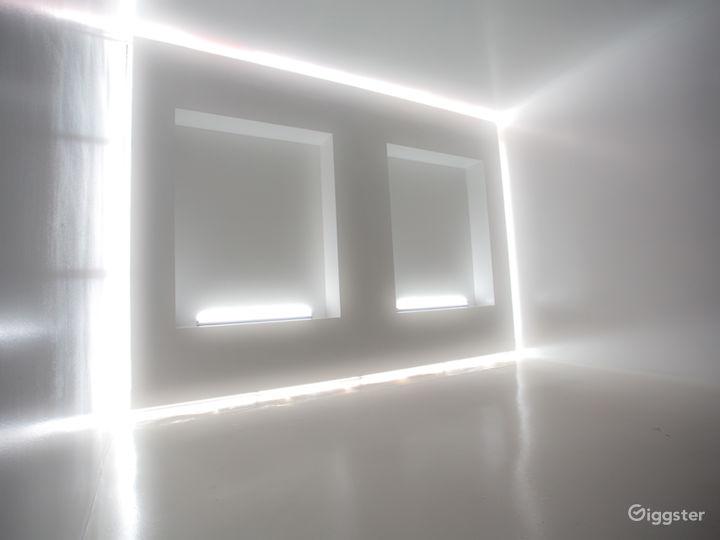 Modern White Cube | CreatorLA Photo 4