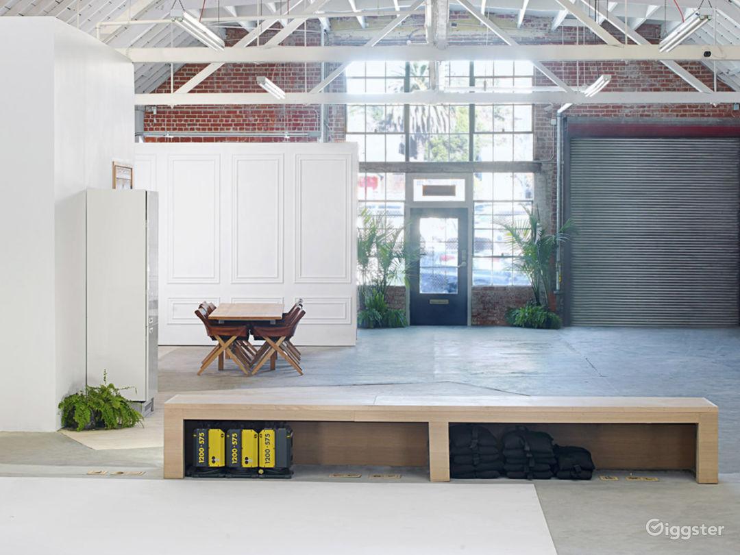2,400ft² Open Loft-styled Versatile Studio Photo 3