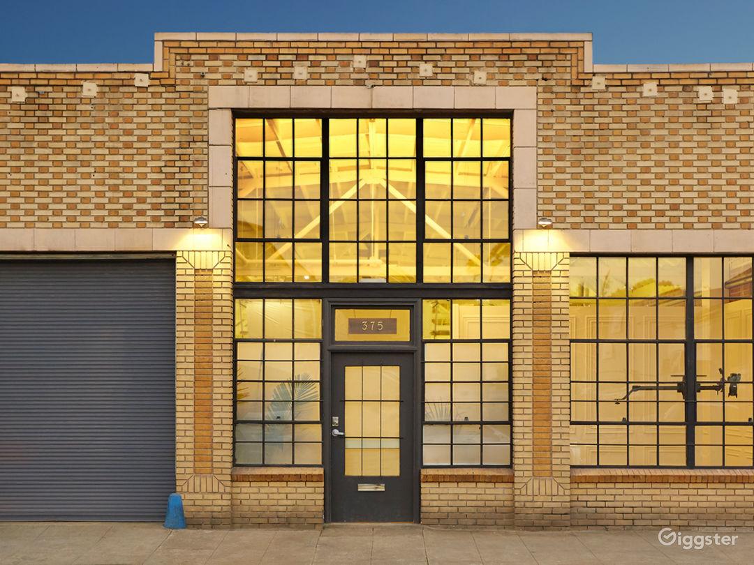 2,400ft² Open Loft-styled Versatile Studio Photo 5