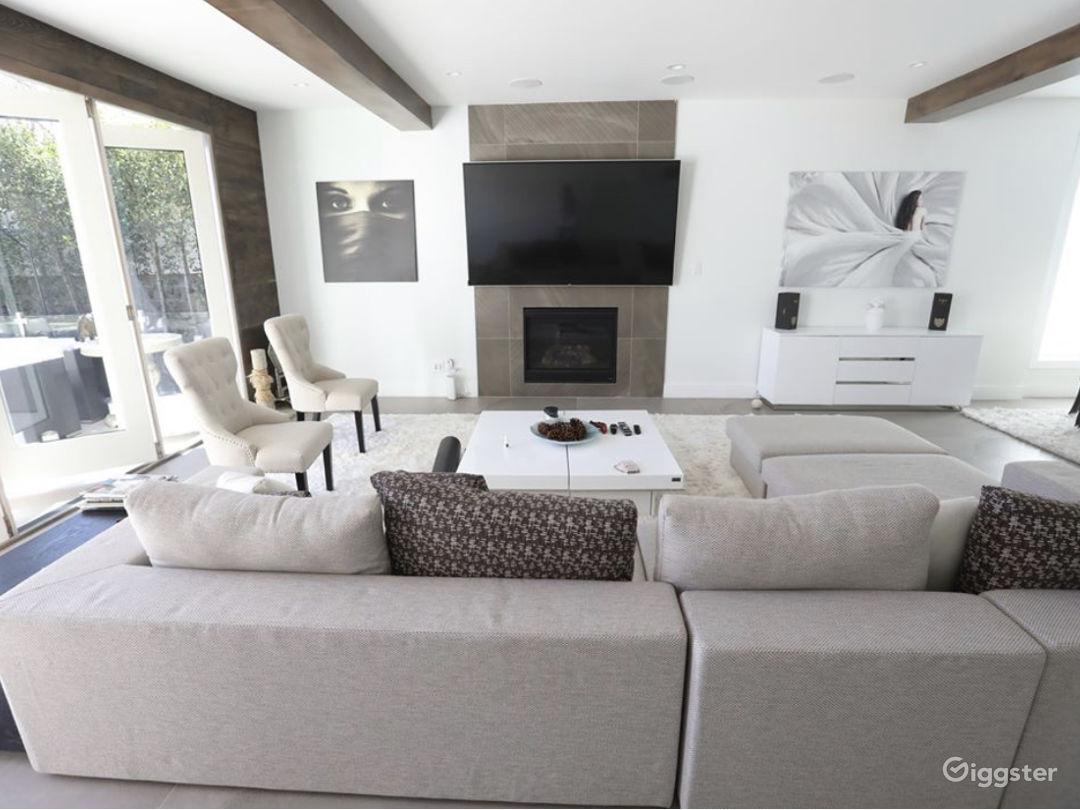 Contemporary modern designed Home  Photo 5