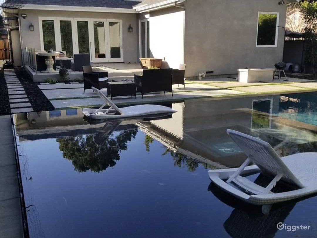Contemporary modern designed Home  Photo 4