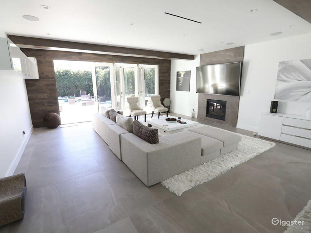 Modern Home  Photo 5
