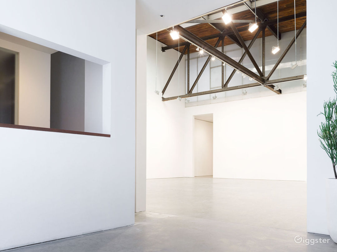 A Modern and Luxurious Studio in Chelsea District Photo 1