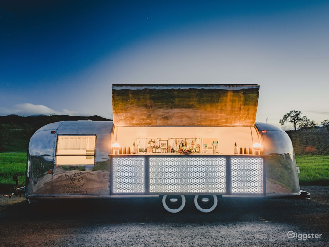Airstream Mobile Bar @ Oyster Ridge