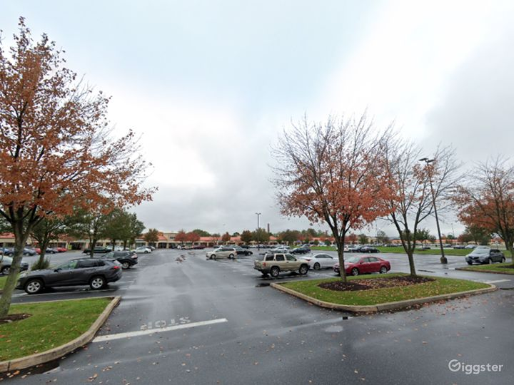 Spacious Parking Lot in Hershey Photo 3