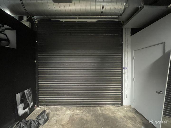 Large creative studio space w drive in garage Photo 4