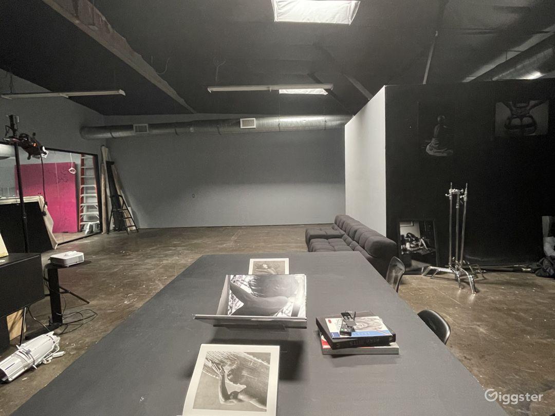 Large creative studio space w drive in garage Photo 1