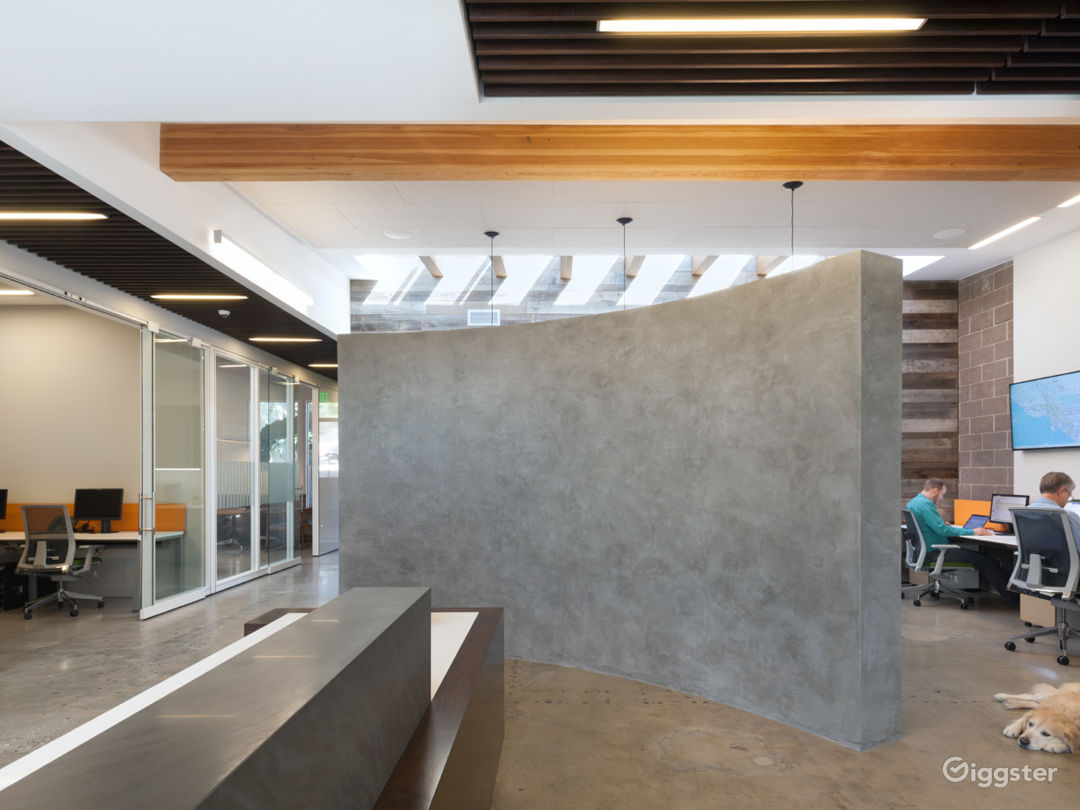 Modern Office/Creative Space with lots of light.  Photo 5