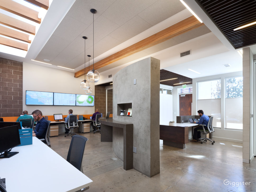 Modern Office/Creative Space with lots of light.  Photo 1