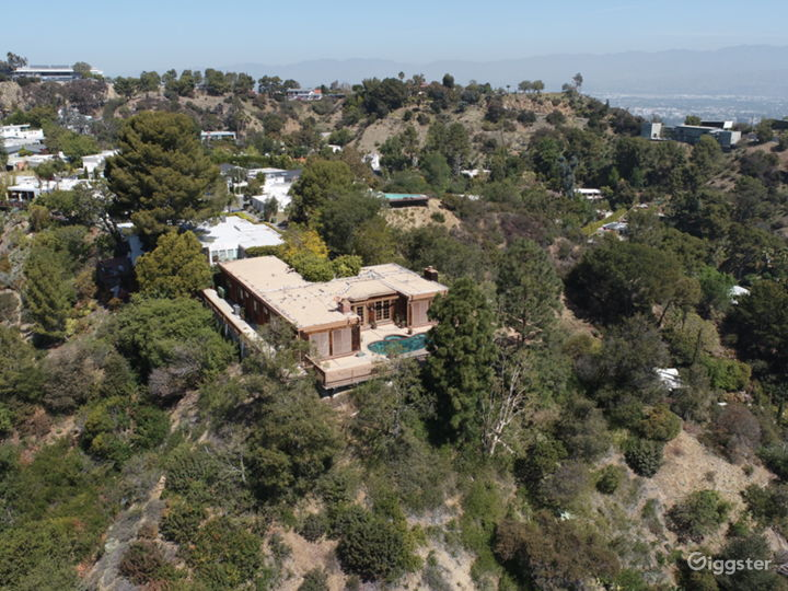 """Hollywood Hills """"Tree House"""" with Views Photo 4"""