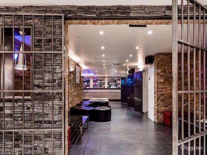 The Lounge Bar in London Photo 3