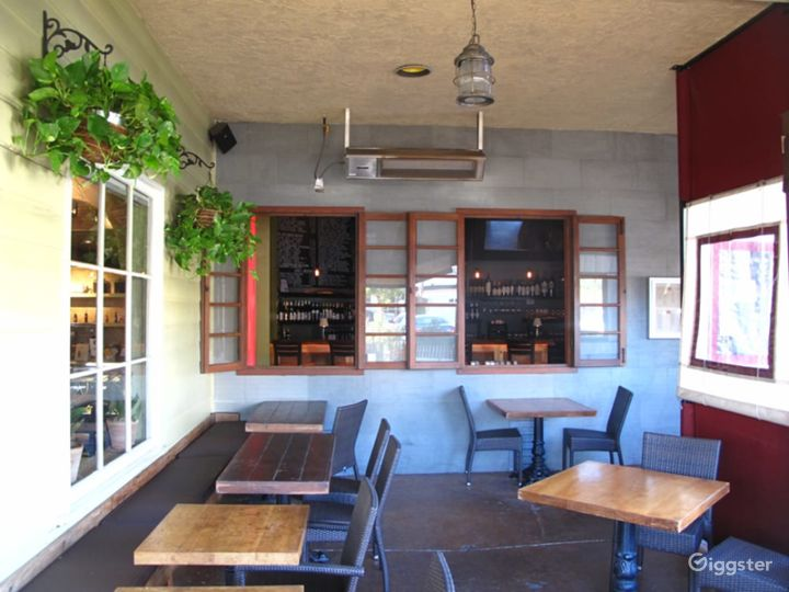 Gorgeous Italian Restaurant in Encino Photo 2