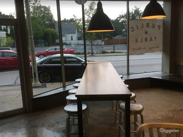 Cozy Indoor Dining Space in West Allis Photo 4