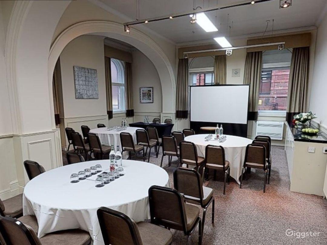 Medium-sized Meeting Room in Leeds Photo 1