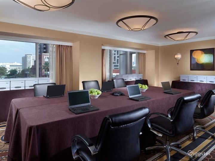 Hotel Meeting Rooms Photo 2