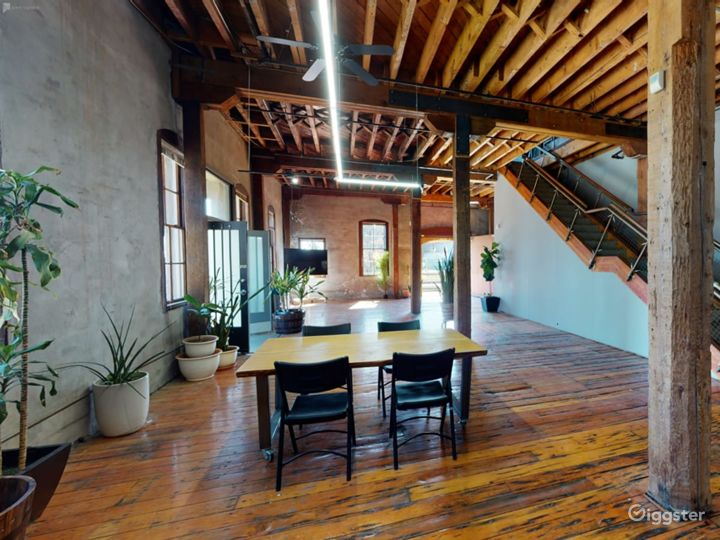 Warehouse space with redwood floors  Photo 2