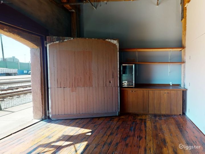 Warehouse space with redwood floors  Photo 5