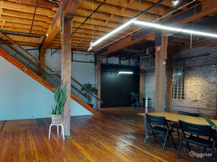 Warehouse space with redwood floors  Photo 4