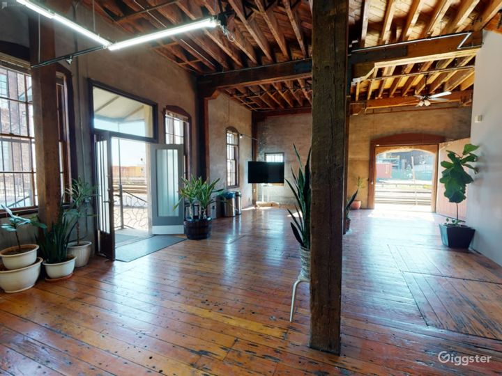 Warehouse space with redwood floors  Photo 3