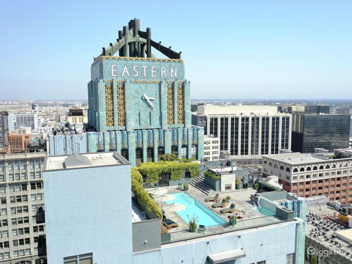 Iconic Art Deco Loft  Photo 2