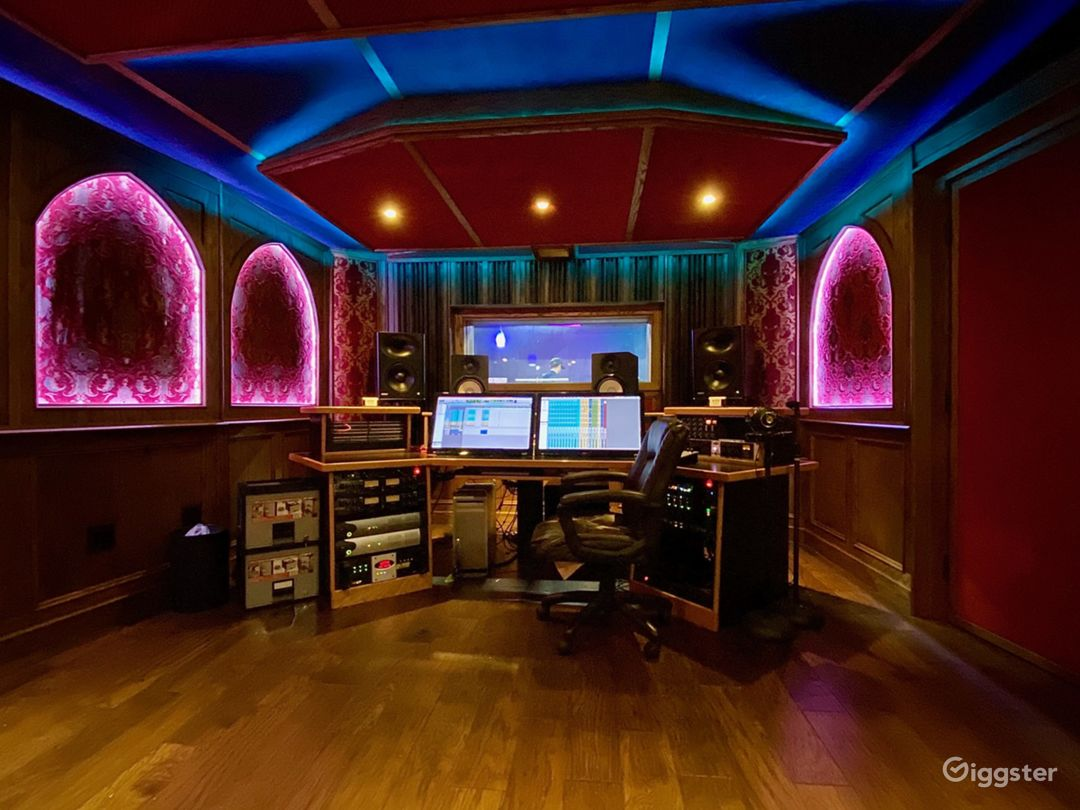 (C) The Mixing Room   - Full House Access