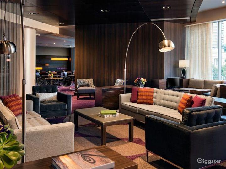 Gorgeous Lounge in LA Photo 4