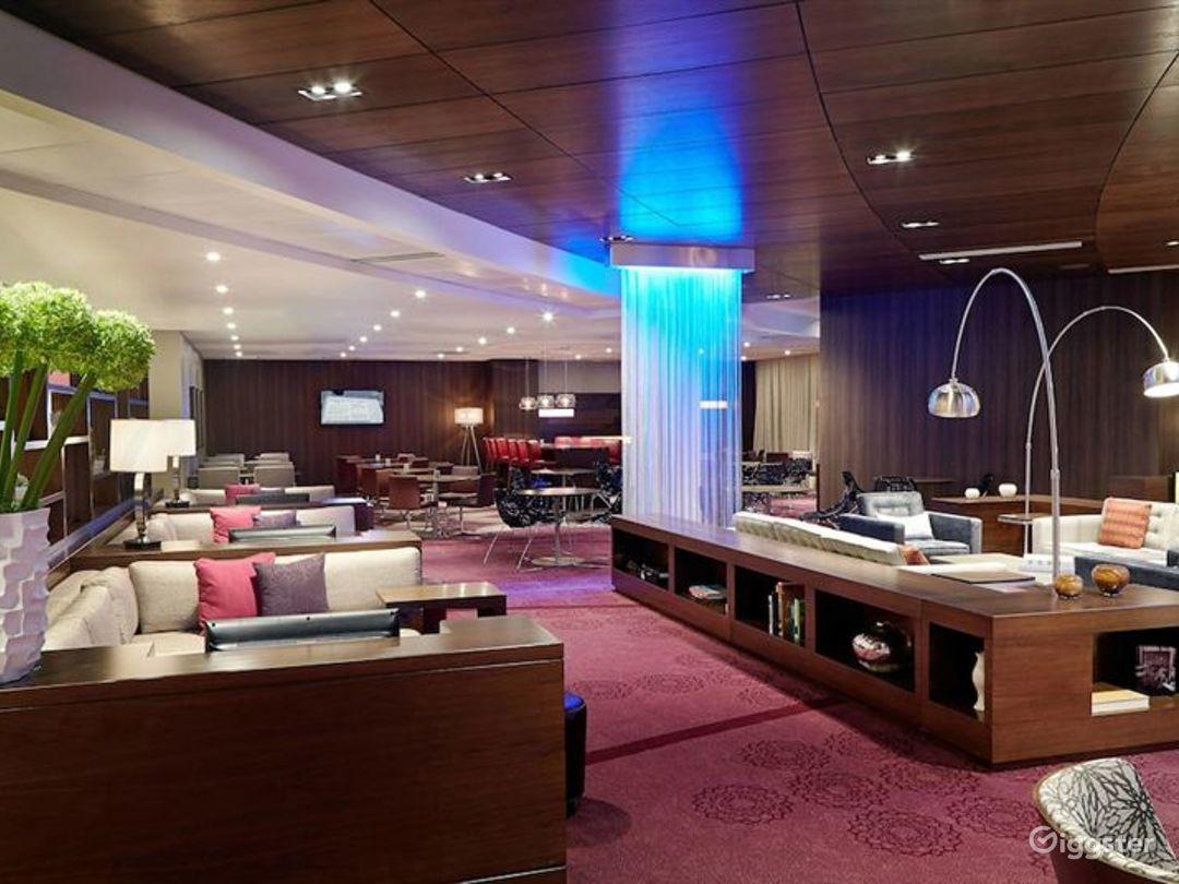 Gorgeous Lounge in LA Photo 1