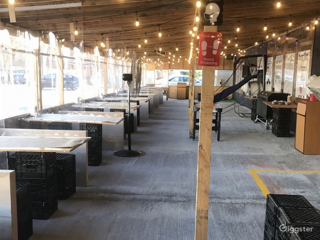 Restaurant overview  and tables