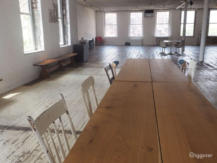 Brooklyn Studio with Antique Floors-4000 Sq Ft Photo 3