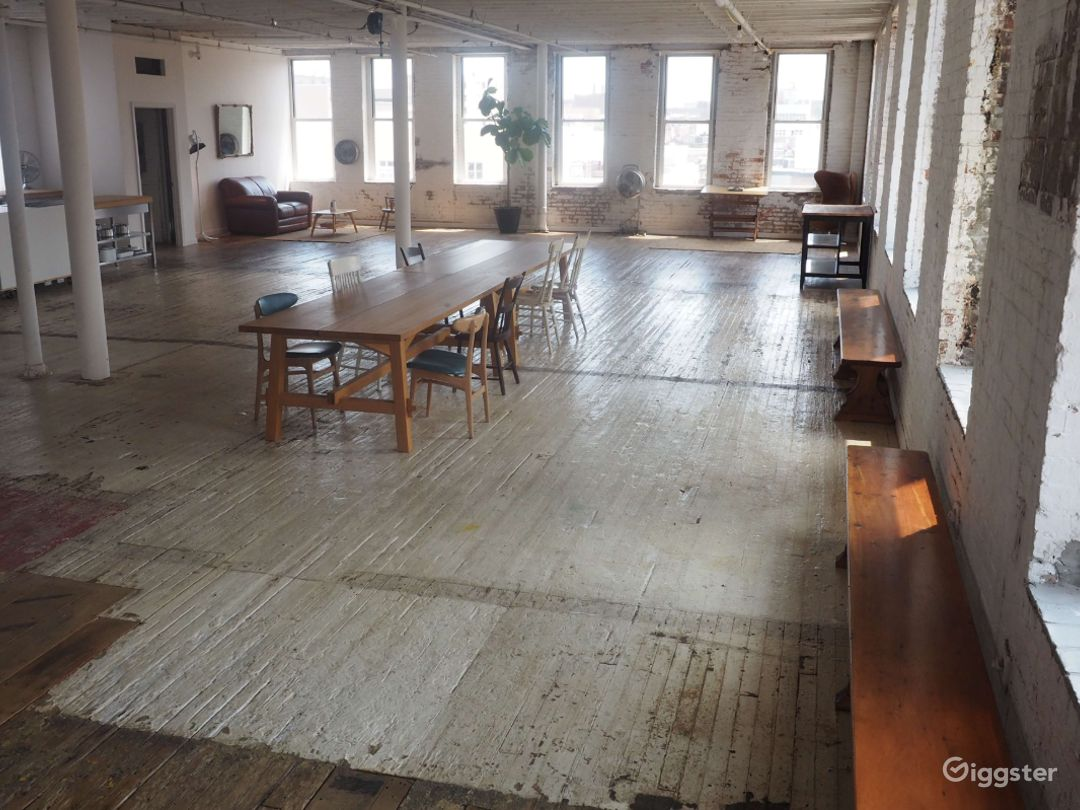 Brooklyn Studio with Antique Floors-4000 Sq Ft Photo 1