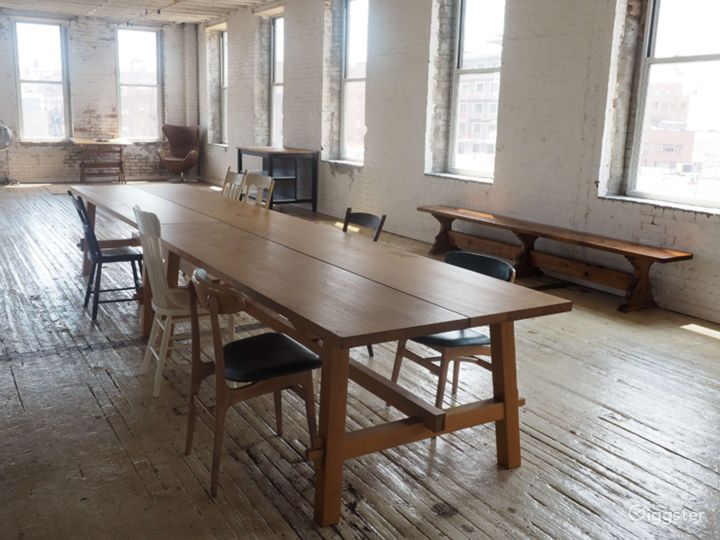Brooklyn Studio with Antique Floors-4000 Sq Ft Photo 2